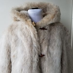 Stunning Vintage Faux Fur coat with Hood!
